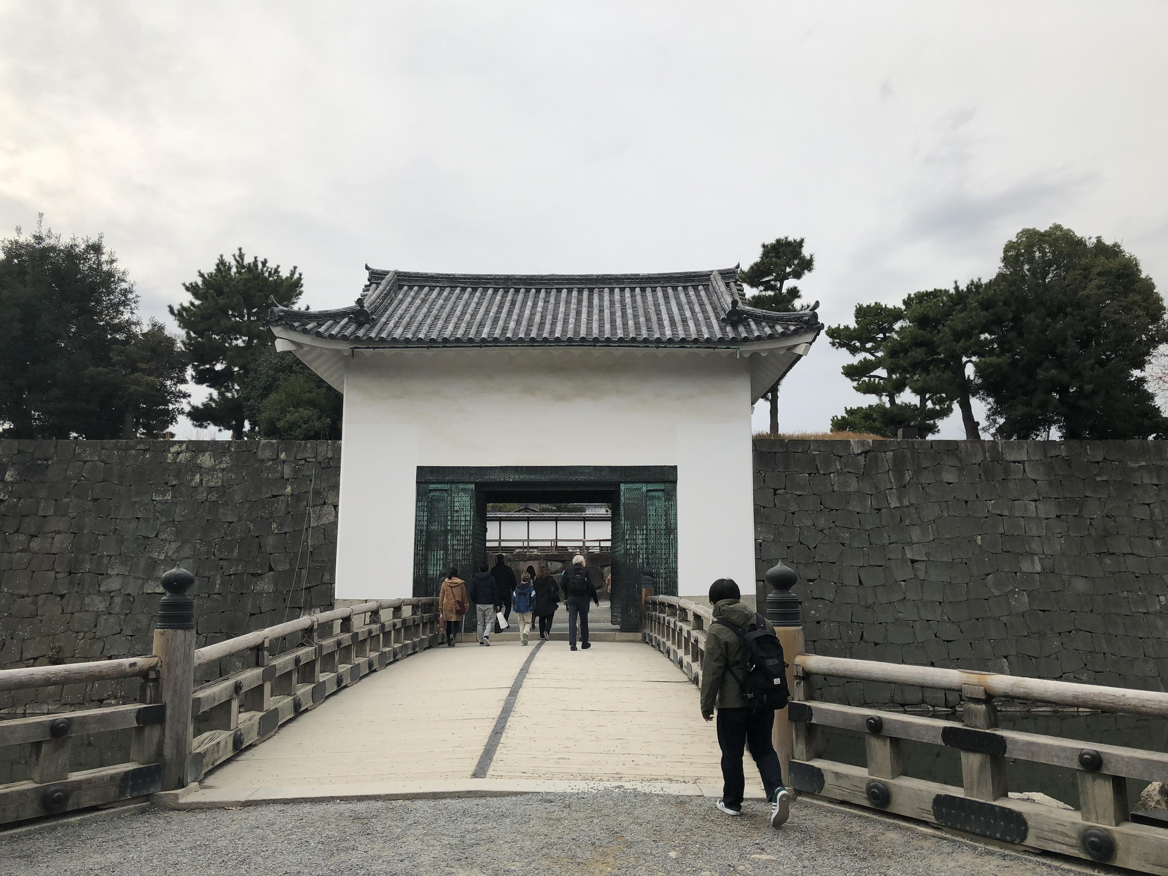 京都二条城の漆喰壁