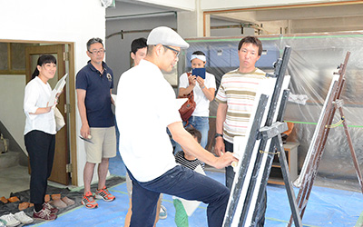 大阪教室:先生の塗り方をじっくり見学